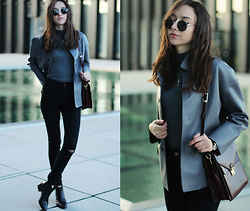 Bea G - Jacket, Turtleneck, Jeans, Boots, Bag, Watch - Shark
