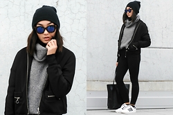 Konstanzia and Atusa Lechler - H&M Sweater, Zara Bomberjacket, Zara Shopper, Adidas Sneakers, Bershka Sunglasses - SPORTY x CAUSAL