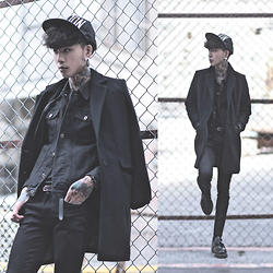 IVAN Chang - Zara Overcoat, Vintage Black Jacket, Tastemaker 達新美 Snapback, Boom Watches Watch, Topman Black Skinny Jeans, Dr. Martens Shoe - 281114 TODAY STYLE ALL BLACK