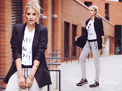 La Leonella - Sienna Oversized Blazer, Adidas Jogging Pents, Philipp Model Sneaker - I've a new Boyfriend
