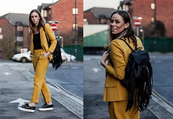 Natalia Homolova - Primark Backpack, Superga Platforms, Asos Trousers, Asos Blazer, Primark Top, Natinstablog Necklace - MUSTARD suit