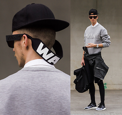 Chaby H. - Alexander Wang X Hm Sweater, Alexander Wang X Hm Sunglasses, H&M Biker Leather Jacket, Yohji Yamamoto Y3 Sneakers  From Mainlinemenswear Shop, Neoprene Backpack, Black Short With Leggings - Alexander Wang x HM outfit II.