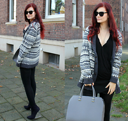 Tia T. - H&M Bag, New Yorker Skort, Six Sunglasses - Boyfriend cardigan