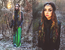 Muzzy Stardust - Spell & The Gypsy Collective Dark Side Of Moon Headcrown, Bershka Dressy Collection, Feraud Leather Jacket - Siren