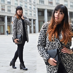 Carlinka Marisol - Vila Coat, Primark Clutch Bag, Monki Pants, Bullboxer Leather Boots, Marc By Jacobs Watch - LEO PRINT COAT