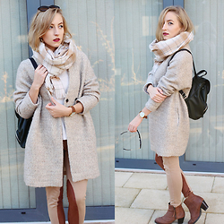 Gema L - Zara Coat, Daniel Wellington Watch, Zara Jogging Pants - Beige all the way