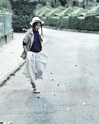 Nobi Errorie - Samurai Pants, Fedora Hat, Metalic Sandals - Urban Classic