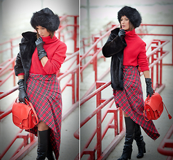 Galant-Girl Ellena - Opening Ceremony Bag - Tartan Skirt.