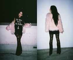 Tina Arandjelovic - Missguided Faux Fur, Grit N Glory Tank, Sway Chic Lace Bells - GRIT N GLORY