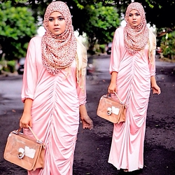Noni Zakiah H. - Noni Zakiah Mermaid Dress, Vincci Bag - MERMAID AFTER THE RAIN ;)