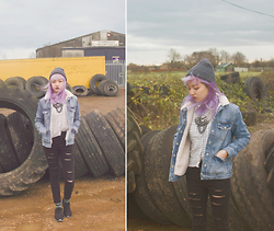 Katherine Au-Yong - Topshop Necklace, Topshop Shirt, Topshop Borg Jacket, Topshop Ripped Jeans, Nike - 081214