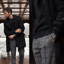 Talun Zeitoun - Comme Des Garçons Pea Coat, All Saints Knit Sweater, Topman Checked Trousers, Seiko Watch - Checked