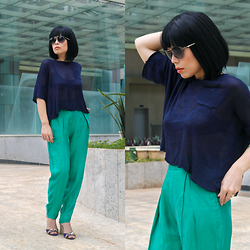 Priscila Diniz - Minimalist Batwing Sleeves Crochet Sweater, Green Trousers - Casualities