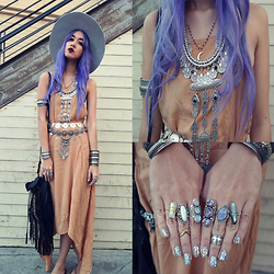 Sera Brand - Jolly Chic Elegant Style Backless Beautiful Long Dress, Lack Of Color Aus Silver Montana Musa, Indiverve Silver Cuff, Artefacts Collection Tibetan Tri Stone ۞ Amethyst, The Faint Of Heart Crystal Ring, The Faint Of Heart Crystal Ring, Brandy Melville Usa Midi Ring, Jens Pirate Booty Midi Ring, Barrio Vintage Flower Concho Belt - Indigo Child