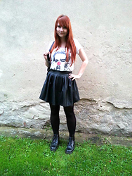 Tereza Saki - Tally Weijl Black Backpack, Vivienne Westwood Punk T Shirt, Hearts & Bows Leatherette Skirt, Gate Black Tights, Dr. Martens Black Boots - Clown