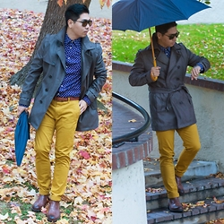 Vince Lee -  - Mustard colored pants on a rainy day