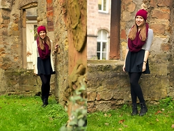 Myriam S. - New Look Crop Top - WINTER FAIRYTALE