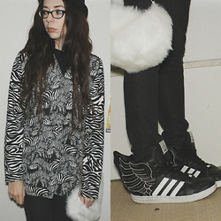 Candy Thorne - Winged Hightops, Monki Zebra Sweater, Thank You Mart Fluffy Handbag, Army Surplus Black Bowler - Fly Away