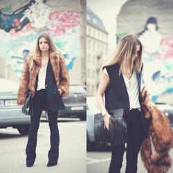 Madalina Gugila - H&M Faux Fur, Zara T Shirt, Bershka Jeans, Zara Booties - Basics with a twist