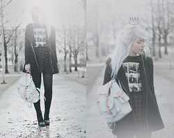 Kerti P. - Sheinside Coat, Sheinside Monroe Print Sweatshirt, Bag, H&M Skirt - Seeing things invisible.
