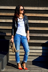Butterfly Petty - Zara Jeans, Zara Shoes, Stradivarius Jacket, Zara Necklace, Seiko Watch - Boyfriend jeans