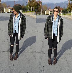 Bethany R. - American Eagle Outfitters Jeggings, Chambray Button Up, Sherpa Lined Flannel Shirt - BIG