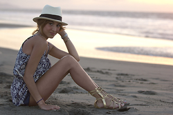 Giuliana ♡ - Republica Del Cacao Panama Hat, Moixx Mini Romper, Oecshle Tall Gladiators, Cartier Love Bangle - Lovers on the Sun