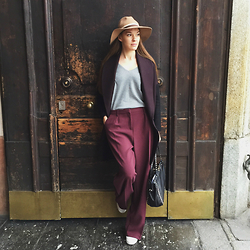 EvaRivier - Topshop Hat, All Saints Coat, Asos Pants, Asos Pullover, Valentino Bag, Michael Kors Sneakers - Relaxed sport chic in Milan @evarivier