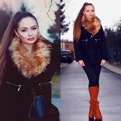 Eve Gore - Romwe Coat - Fur.