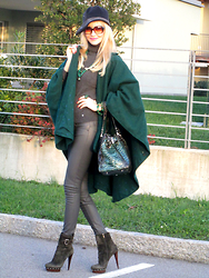 Paola Fratus - Steven's Hats   Made In Italy, Liu Jo, Savini Bettina, Tezenis, Le Silla - Green Cape