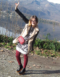 Ilaria (My Way To Be Myself) - Desigual Dress, Castaner Mini Bag, Castaner Wedge Ankle Boots, Tezenis Leggings, Tally Weijl Bicolor Trench, Runway La Donna Alice In Wonderland Necklace - Autumn colors make me happy (Desigual, Castaner)