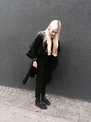Leonie Kunze -  - Being really cute today