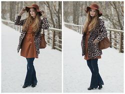 Sandra Saimon - Asos Wide Brim Hat, Marmalato Long Gloves, Oodji Leopard Coat, Zarina Long Shirt, Michael Kors Hailton Bag, New Look Jeans, Kari Boots - This season's 70s obsession