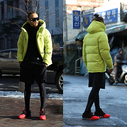INWON LEE - Mountainguard Coat, Adidas Shoes, Byther Sunglasses - Winter neon look