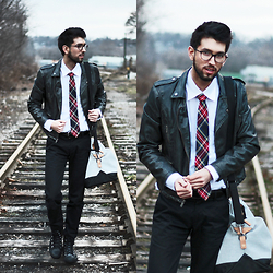 Bobby Raffin - Bows 'N Ties Plaid Skinny Tie, Billy Reid Helton Shirt, Skagen Riis Twill Duffle Bag - Good kind of trouble