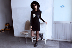 Vu Thien - Sheinside Dress, The Dead Bird Spiked Leather Choker, Dr. Martens Boots - SKELETON HANDS