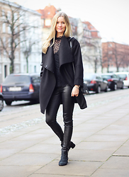 Christina Dueholm -  - Black on black