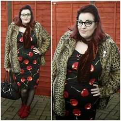 Jodie Marie Davey - Collectif Dress, New Look Coat, Gucci Bag, M&S Boots, Vintage Scarf, London Retro Glasses - Leopard and cherry
