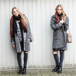 Lea . . . - Mums Wardrobe Coat, Topshop Jeans, Secondhand Bag - Cozy winter days