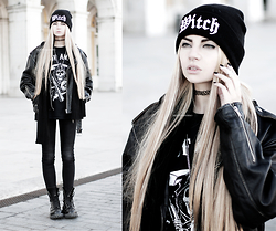 Beatriz Mariano - Sons Of Anarchy Shirt, Killstar Witch Beanie - Rider Of The Damned