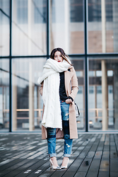 Alex Closet - Missguided Coat, Levi's® Jeans - White plaid
