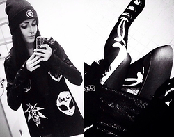 Evy Marie - Mishka Beanie, Mishka Scarf, Widow Hoodie, Disturbia Leggings, Petals And Peacocks Socks - SUP