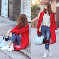 Mayo Wo - Initial Red Coat, Frontrowshop Patchwork Jeans, Longchamp Grey Bag, Minna Parikka Rabbit Sneakers - First day