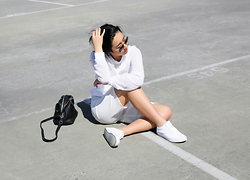 Kristy Wu - Vans Old Skool, Maven The Label White Jumper, Ray Ban Classic Aviator - White Tennis Shoes