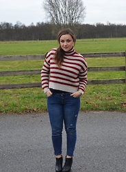 Anna Kotch - Zara Sweater, Zara Jeans, H&M Shoes - Where is Waldo ?
