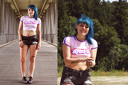 INNER RIOT † - Lazy Oaf Weird Crop, H&M Used Shorts, Unif Grim Creeper - Weird in Munich