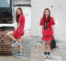 Germeline Nabua - Nike Jordan Spizike Grey   Fire Red, Red Jersey Dress, Mango Black Bag - Fire Red