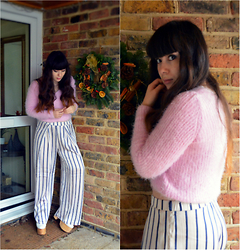 Carmen Ri - H&M Pink Fluffy Jumper, H&M Striped Trousers, Deandri Helgas In White - 2015