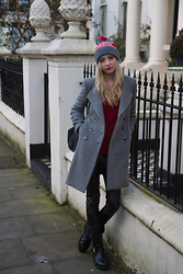 Eleonore Marie Stifter - United Colors Of Benetton Grey Coat, American Apparel London Beanie - London Fever