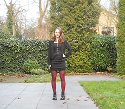 Iris K - Only Little Black Dress, New Yorker Blazer, Primark Tights - Little Black Dress